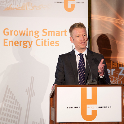 "Timon Meyer: Moderating Konferenz ""Growing Smart Energy Cities"""